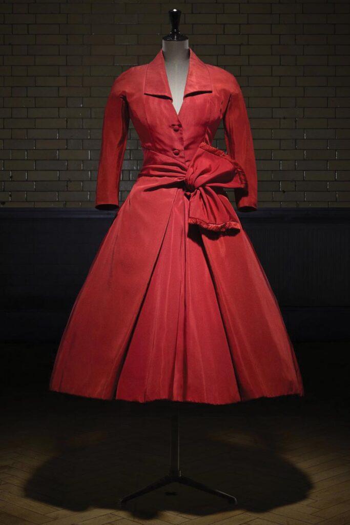 שמלת אחר הצהריים בעיצוב כריסטיאן דיור, 1955