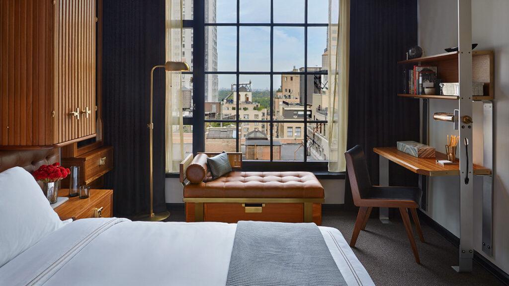 חדר שינה משקיף על ניו-יורק