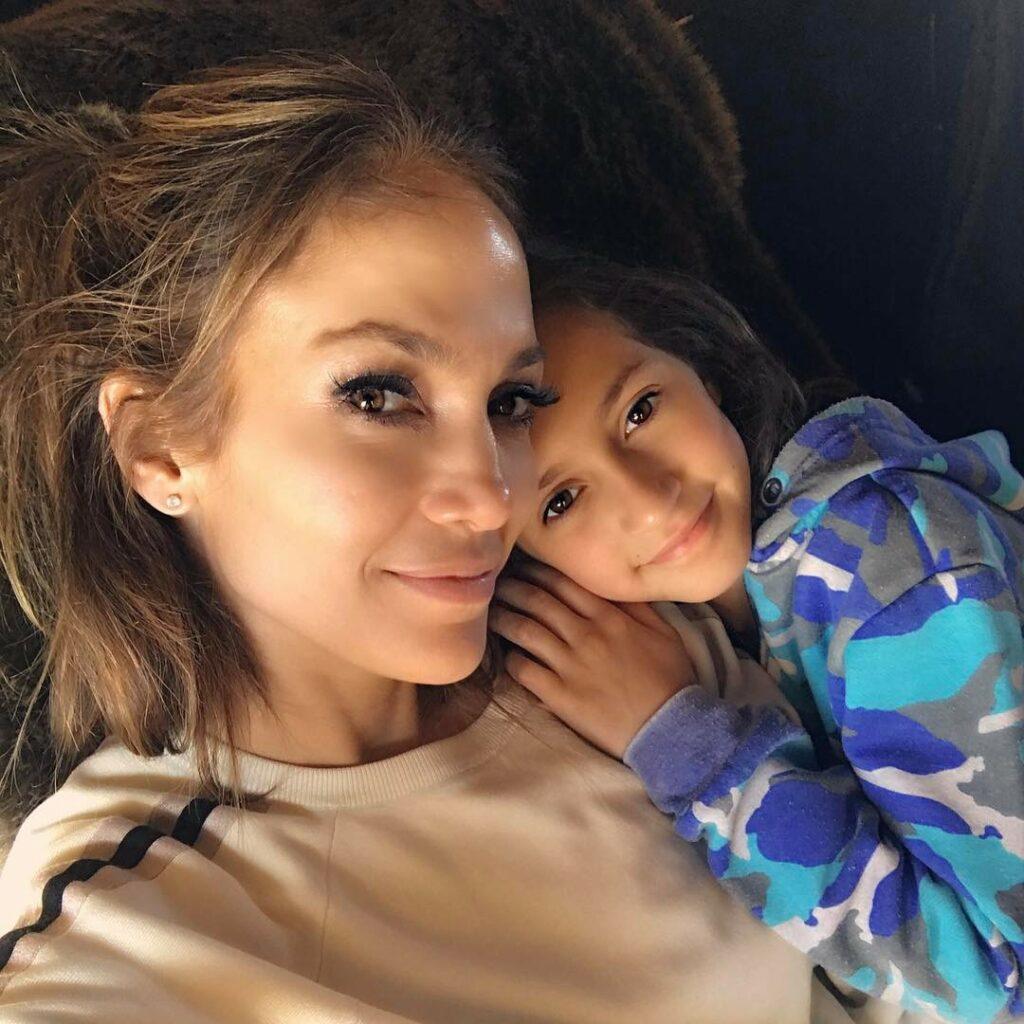ג'ניפר לופז ובתה אמה