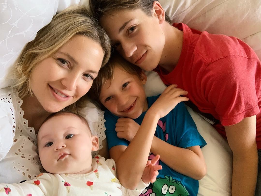 קייט הדסון ושלושת ילדיה