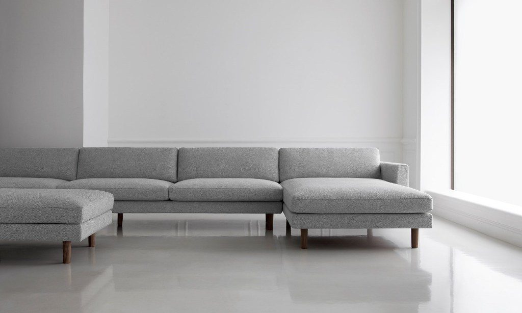 ספה ארוכה מודולרית, עם משענות מלבניות, בעיצוב Maruni