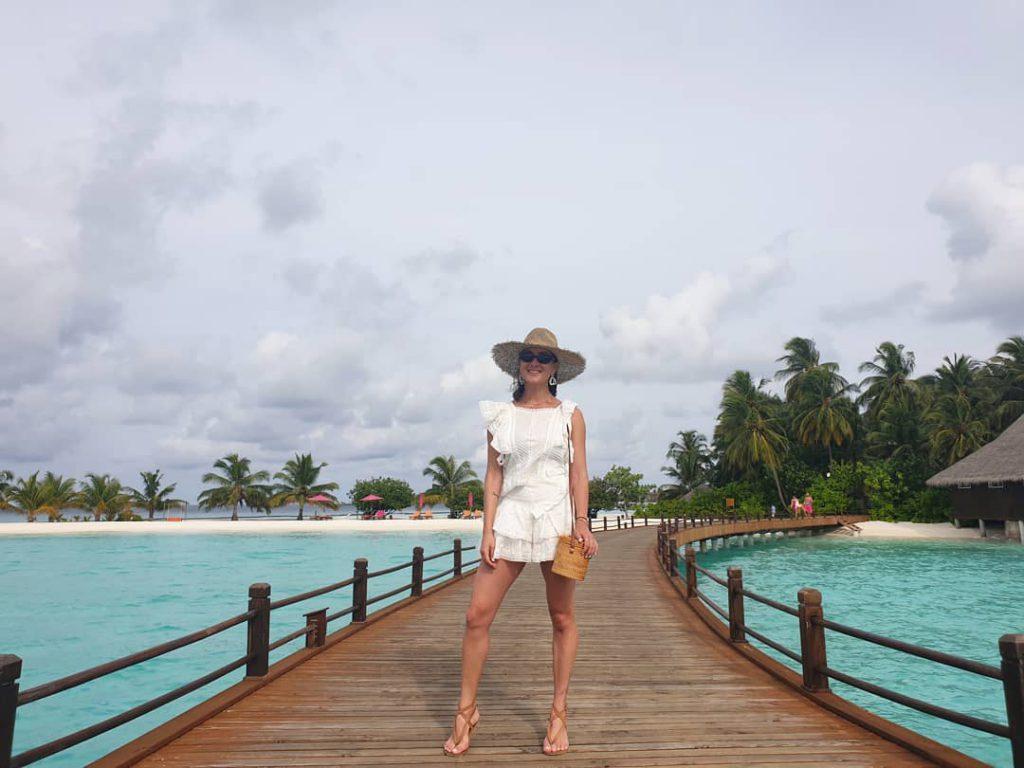 אנה ארונוב בחופשה במלדיביים - מקום של מים ירוקים, חול לבן ושקט אינסופי