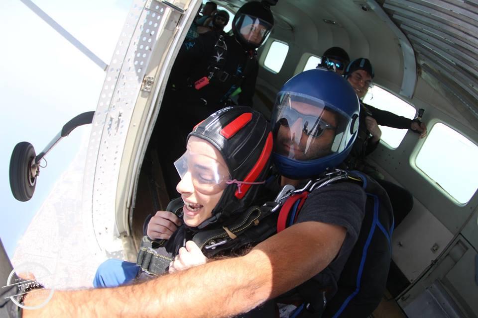 דר' הודיה אוליאל ושי אהרון קופצים מהמטוס