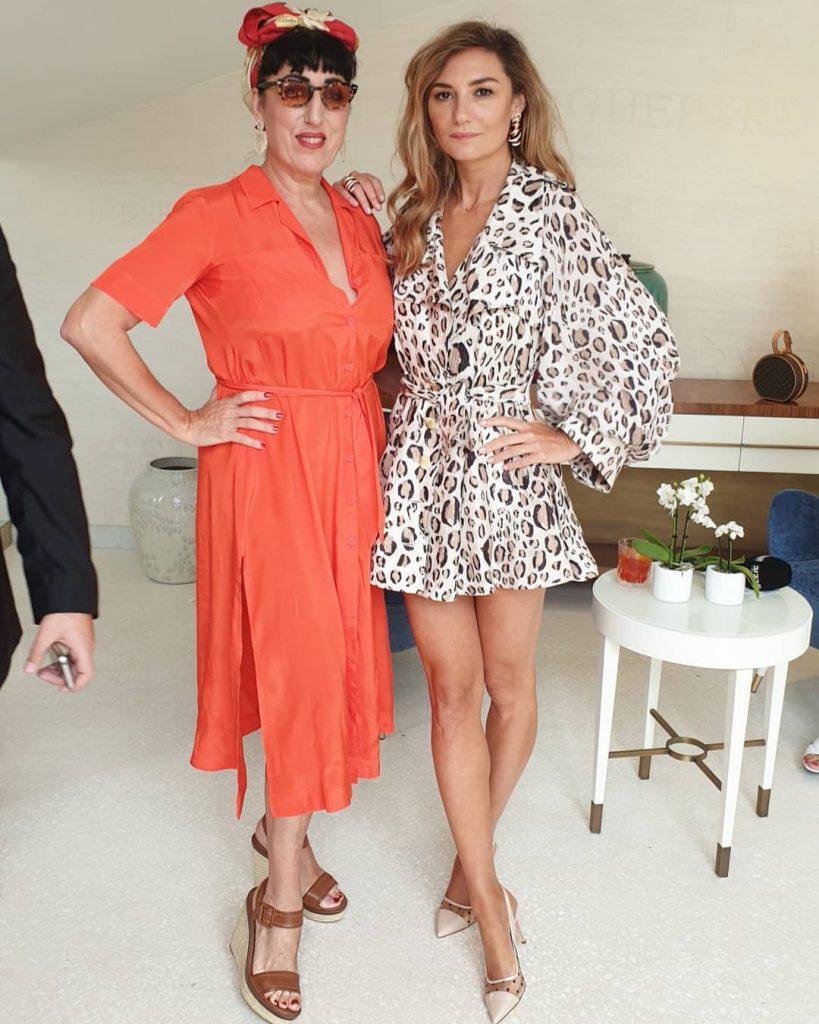 מיכל אנסקי עם השחקנית הספרדייה רוסי דה פלמה, המוזה של אלמודובר, שגם היא לקתה בשיתוק חצי מפניה