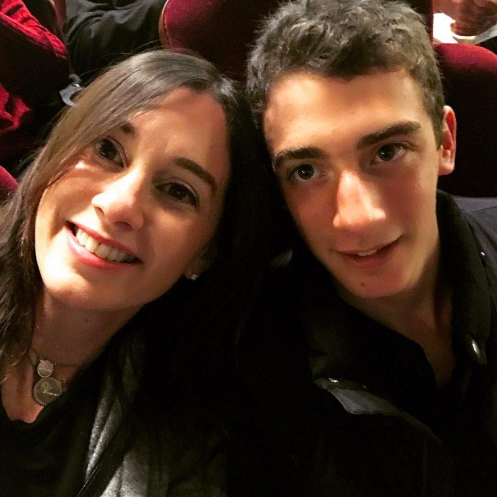 גייל זאבי ציבלין עם בנה תום