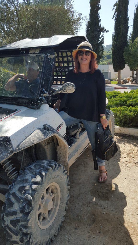 שרית ישי-לוי. אוהבת לטייל בארץ ובחול
