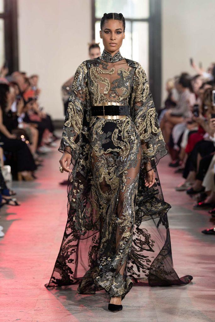 שמלת מקסי רקומה בשילוב גלימה תואמת, בעיצוב אלי סאאב
