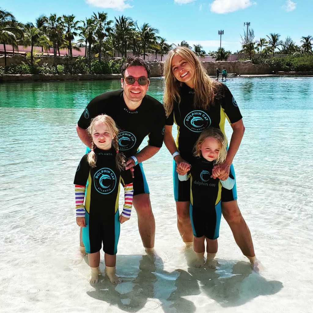 ג'ימי פאלון אשתו והבנות בבהאמס