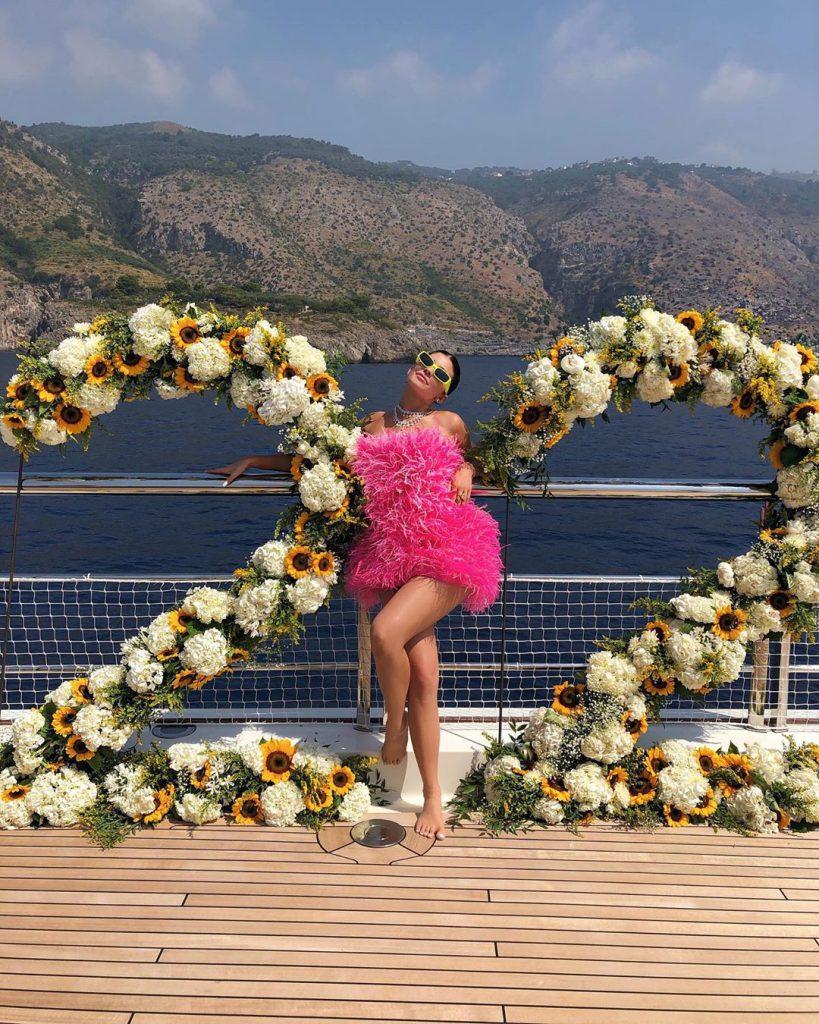 3קיילי ג'נר חוגגת יומולדת 22 במפרץ אמלפי