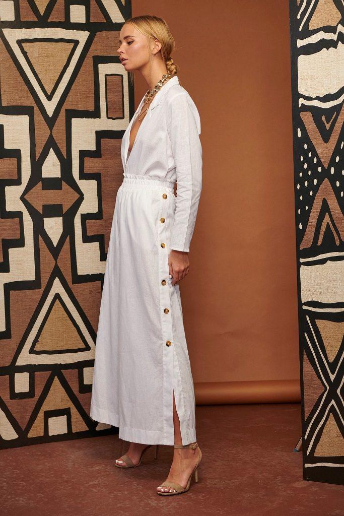 14שמלה עם מחשוף עמוק עם כיפתור משני צידי הרגליים, 350-599 שקל, לילך אלגרבלי