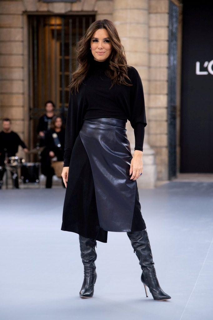 2אוה לונגוריהבשבוע האופנה בתצוגה של לוריאל פריז