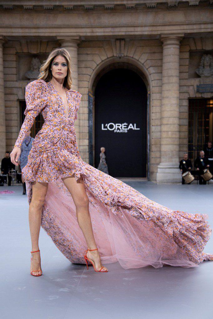 5דוטסן קרוז בשבוע האופנה בתצוגה של לוריאל פריז