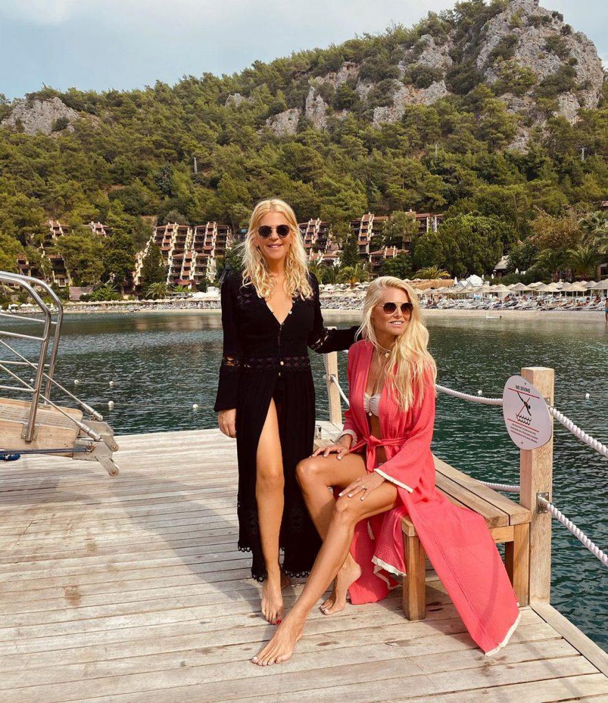 6סנדרה רינגלר ושלי גפני, החברות הכי טובות, בהפלגה לחופי מרמריס שבטורקיה