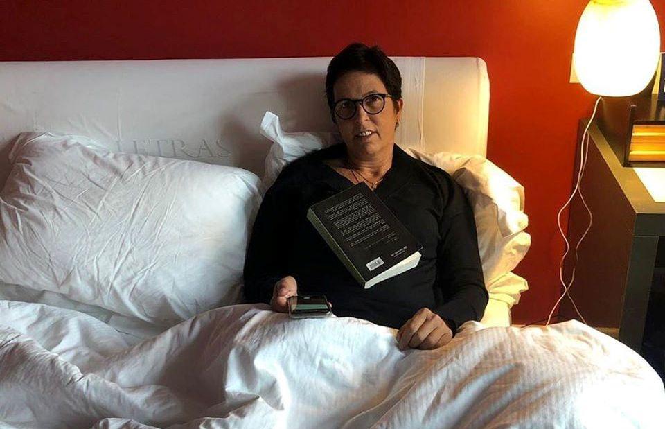 1מירית הררי במיטתה במלון במדריד