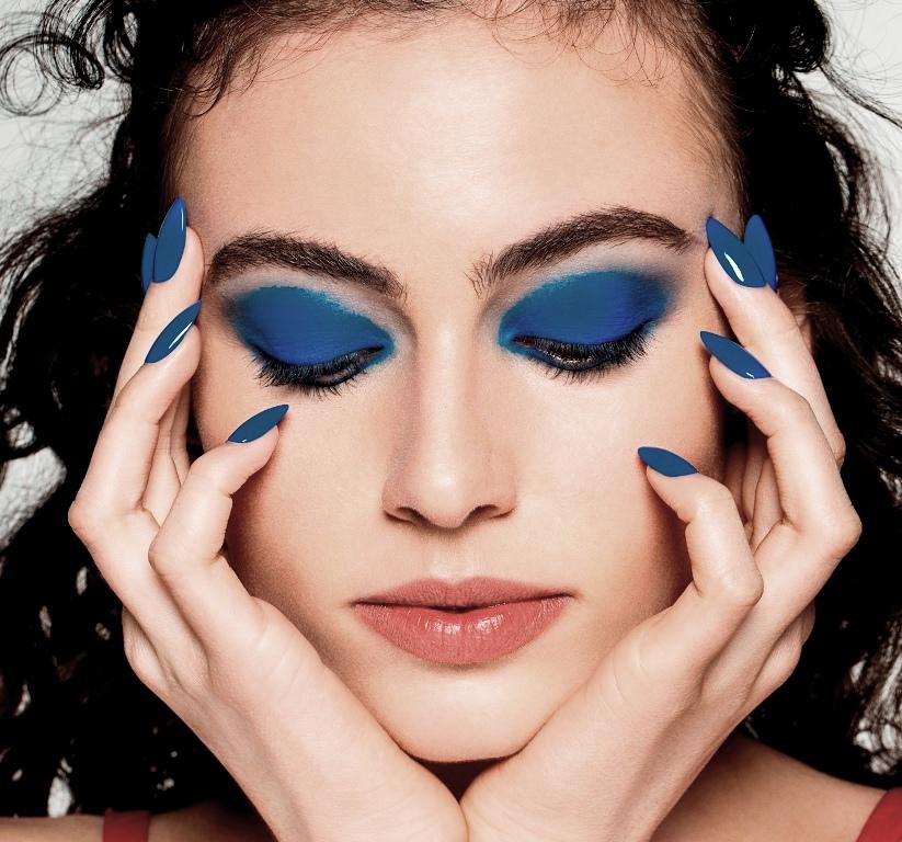 3לק כחול קלאסי של אורלי וצלליות עיניים תואמות