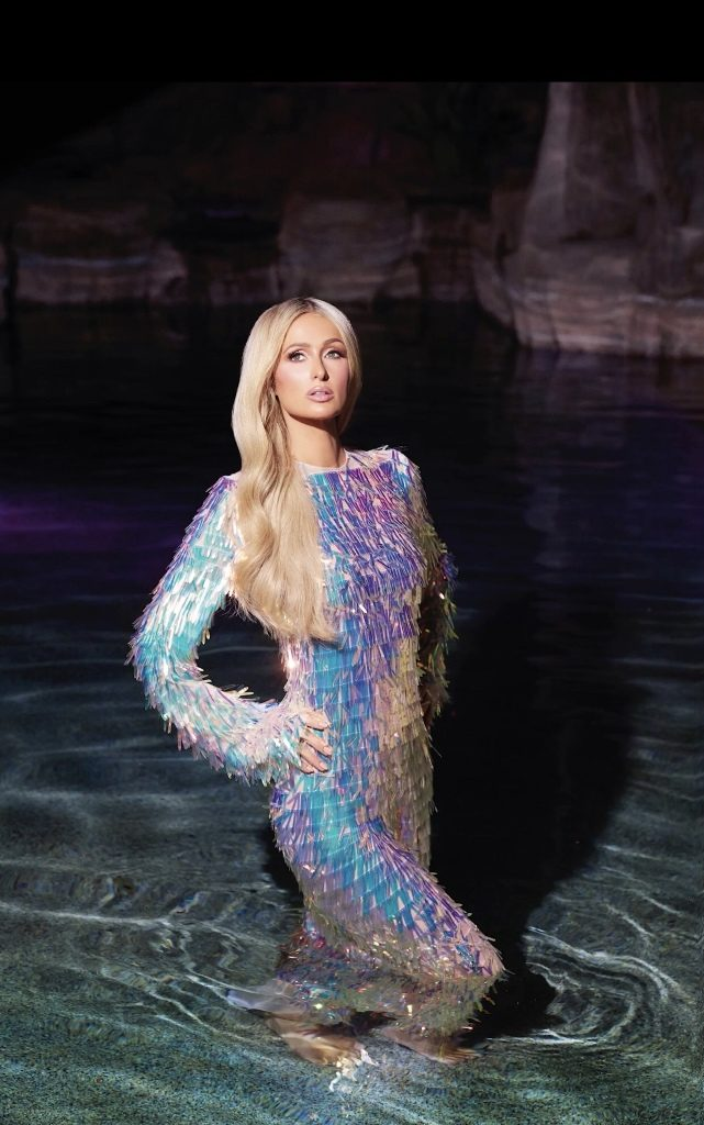 6פריס הילטון בשמלה של אלון ליבנה למגזין קוסמופוליטן דצמבר 2019 צילום יחצ חול