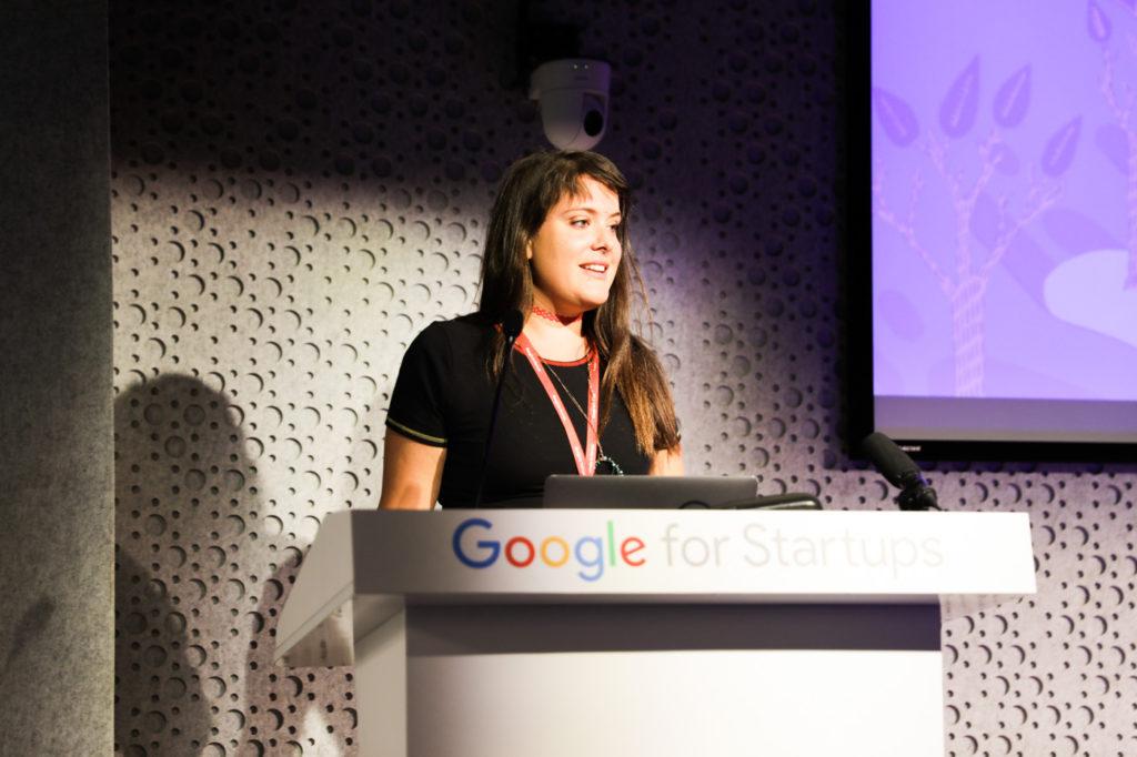 2שרונה קרני-כהן מציגה את המיזם החלומות שלה בגוגל פור סטארט-אפס