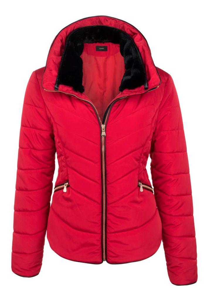 3מעיל קצר באדום לוהט עם רוכסנים בשחור-זהב, 299.90 שקל, גולברי צילום ניר יפה
