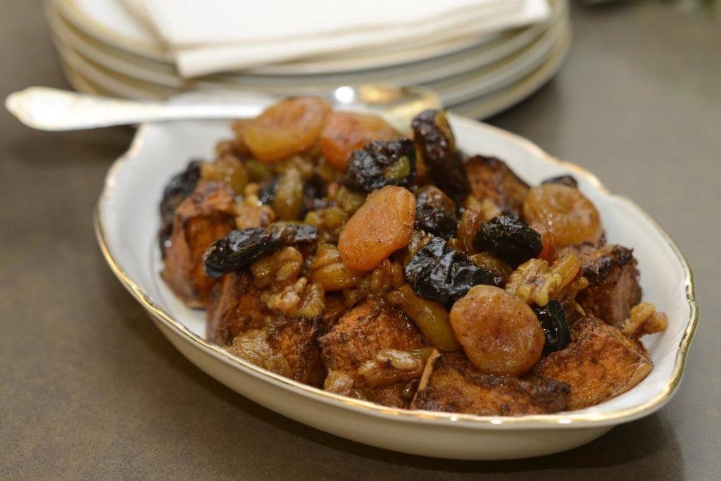 10חזה עוף ממולא בבשר ושזיפים יבשים
