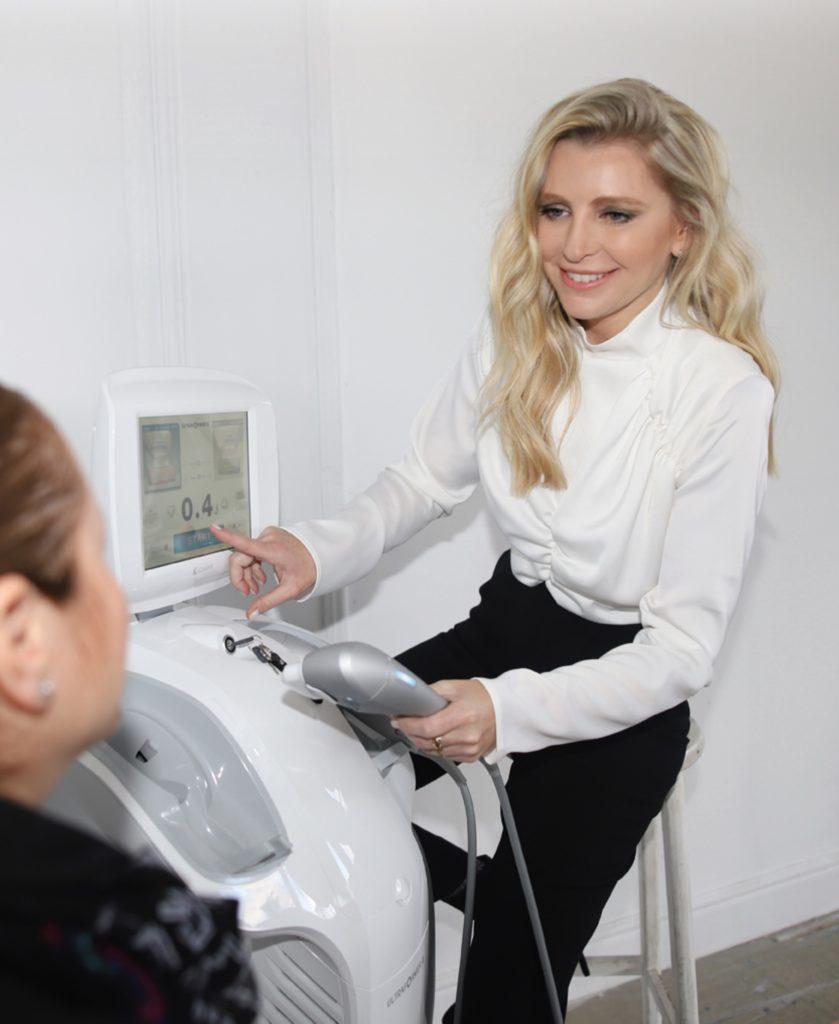5דר להבית אקרמן מומחית לרפואת עור צילום אלון שפרנסקי (8)