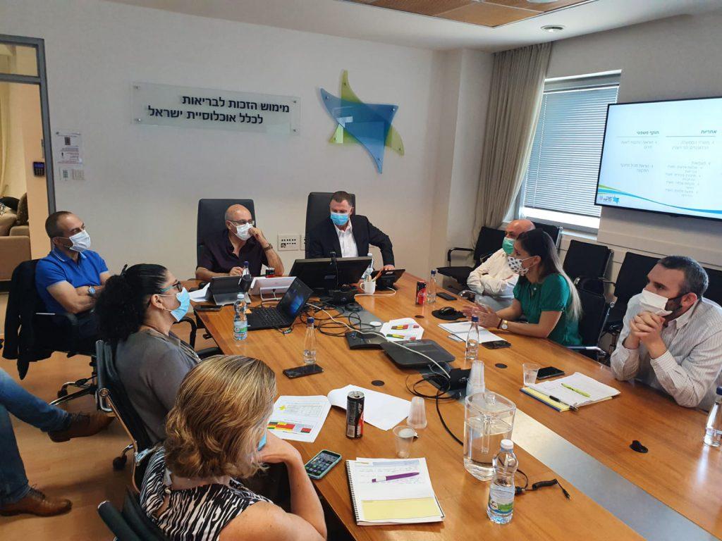 3שר הבריאות יולי אדלשטיין בישיבה עם מנכל המשרד פרופ' חזי לוי וראש פרויקט מגן ישראל פרופ' רוני גמזו