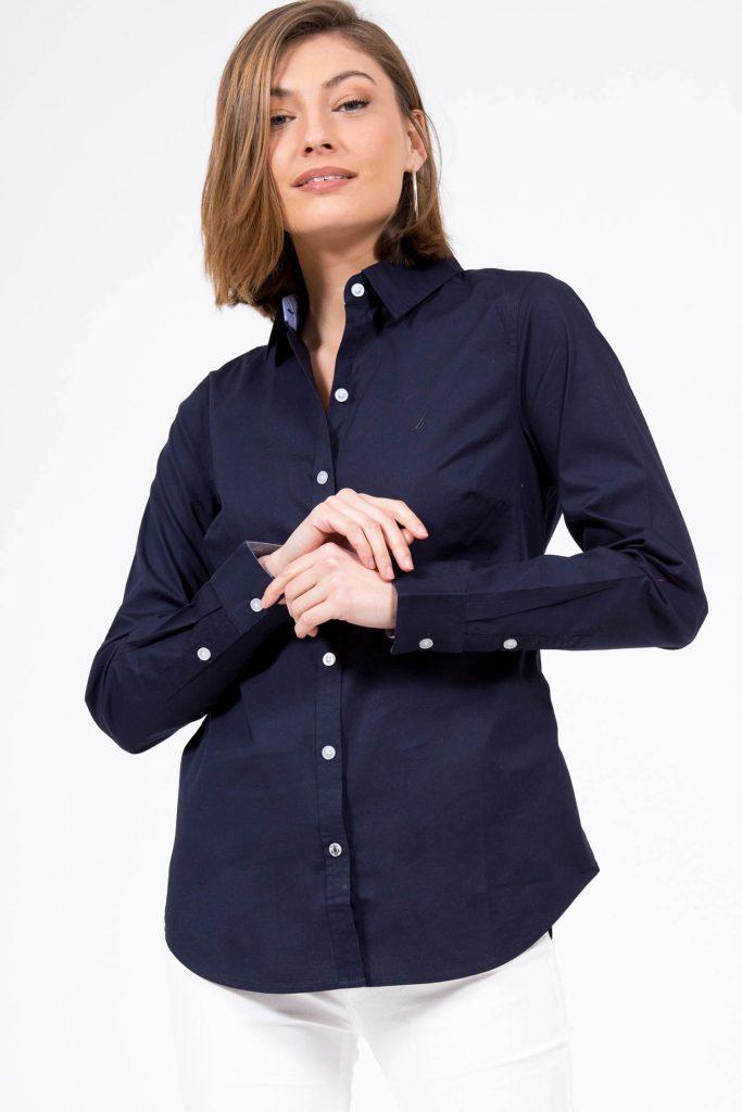 6חולצה מכופתרת קלאסית חלקה לנשים, 224 שקל, נאוטיקה