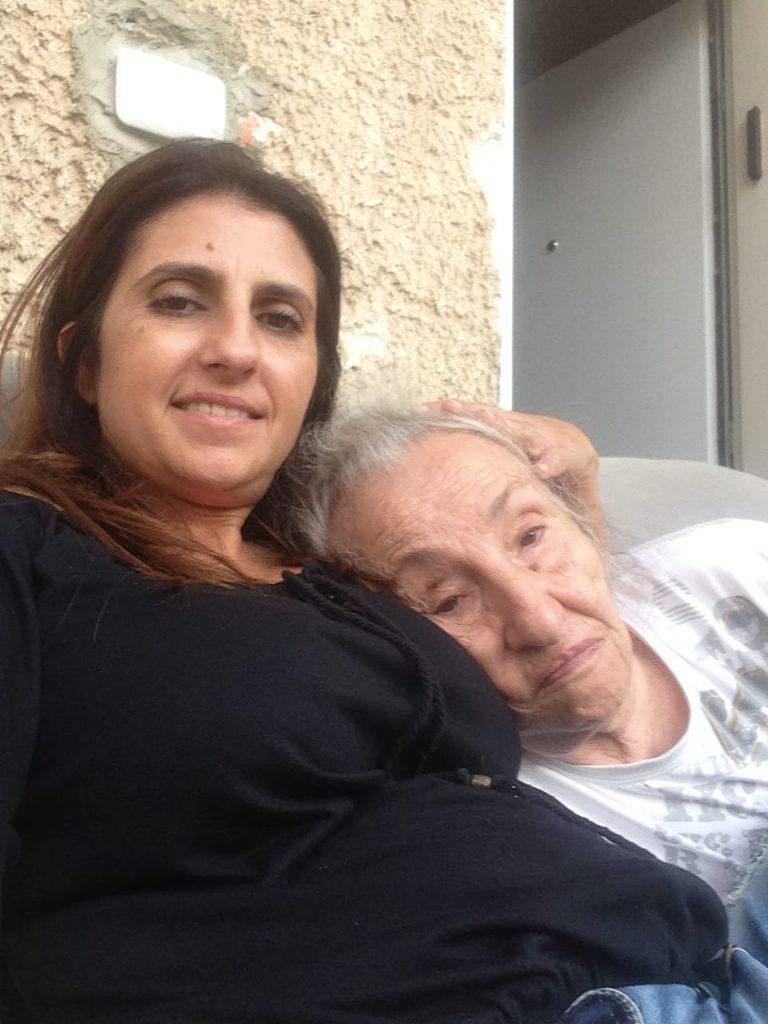1סיגל גבריאל עם אמה