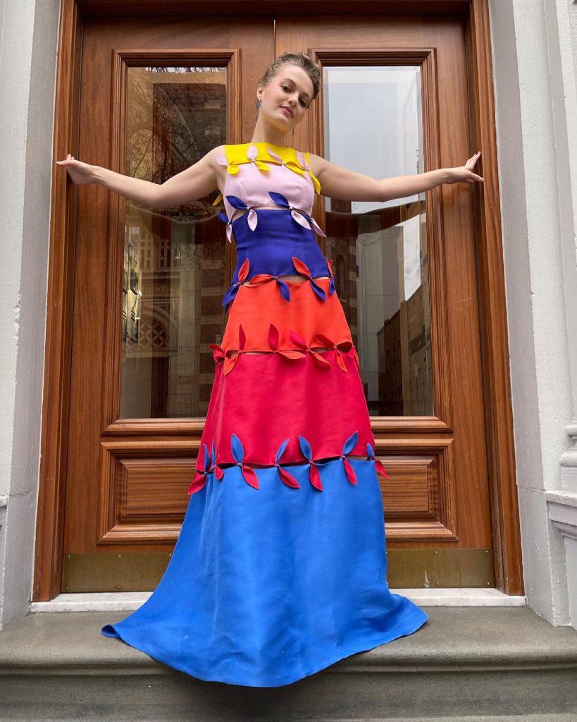 18ג׳ו אלן פלמן בשמלה של ג'ונתן כהן