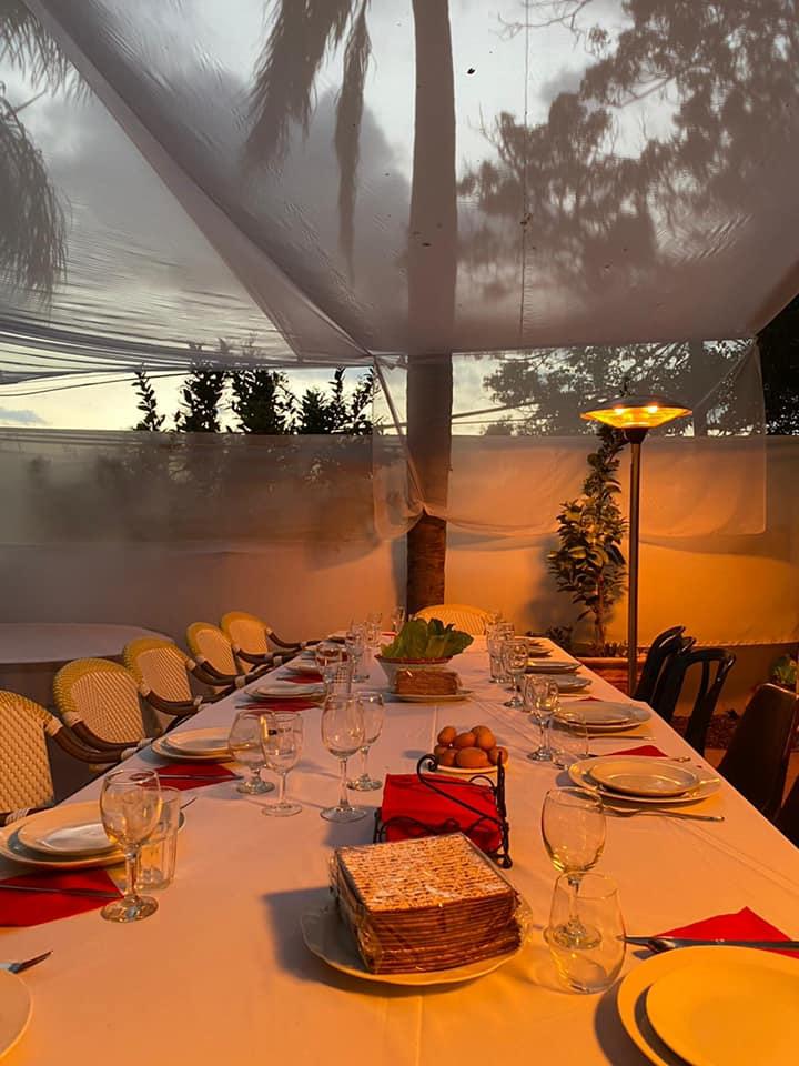 3שולחן החג של ליהיא ויאיר לפיד